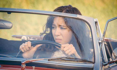 Giam khao 'The Face' Minh Tu dau kho vi 'nguoi thu ba' trong phim moi - Anh 1