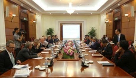 Truong Ban Kinh te T.U tiep cuu Ngoai truong Hoa Ky John Kerry - Anh 1