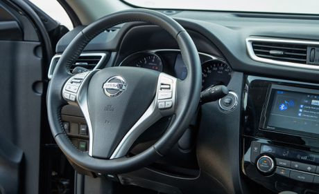 Danh gia Nissan X-Trail: Chay dua ve gia va cong nghe an toan - Anh 4