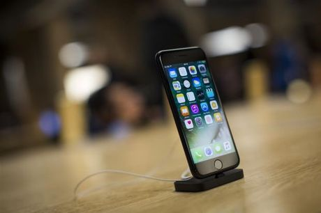 Dung the tin dung gia mua smartphone tai Sai Gon - Anh 2