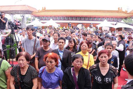 Le tang Thien vuong Dai Loan: Hang nghin nguoi co mat tien dua - Anh 5