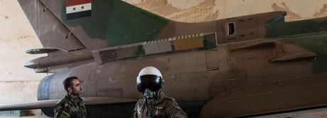 Syria giai cuu Dai ta phi cong lai Su-24 bi ban roi o Raqqa - Anh 2