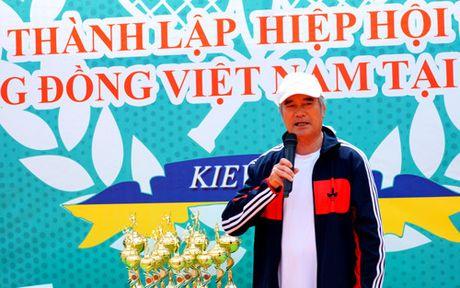 Giai tennis huu nghi cua cong dong Viet Nam tai Ukraine - Anh 2