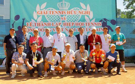 Giai tennis huu nghi cua cong dong Viet Nam tai Ukraine - Anh 3