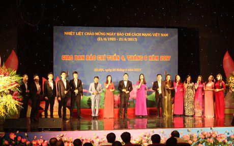 Ong Vo Van Thuong: Soi roi lai su menh cua nguoi lam bao - Anh 1