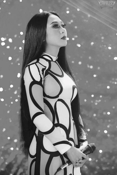 Dam Vinh Hung tai hien Sai Gon xua trong liveshow Bolero 'khung' - Anh 10