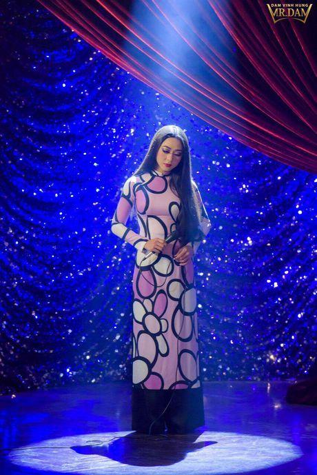 Dam Vinh Hung tai hien Sai Gon xua trong liveshow Bolero 'khung' - Anh 11