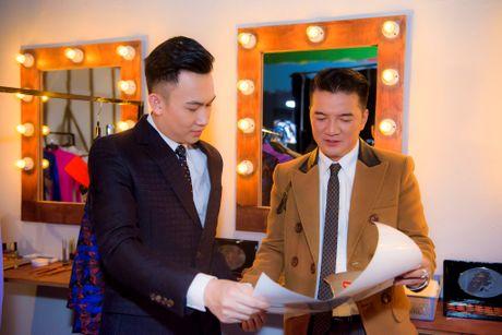 Dam Vinh Hung tai hien Sai Gon xua trong liveshow Bolero 'khung' - Anh 5