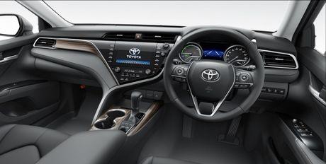 Toyota Camry Hybird 2018 ra mat thi truong Nhat Ban, tieu thu 33,4 km/lit - Anh 3
