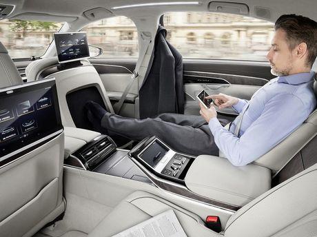 Audi A8 2018 ra mat: Truc co so dai va vo van tien ich hap dan - Anh 10