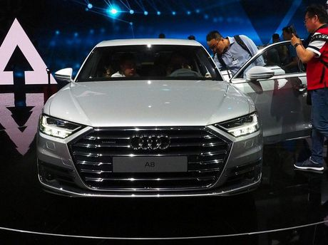 Audi A8 2018 ra mat: Truc co so dai va vo van tien ich hap dan - Anh 4