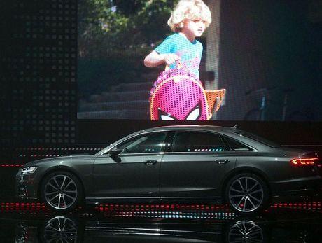 Audi A8 2018 ra mat: Truc co so dai va vo van tien ich hap dan - Anh 7