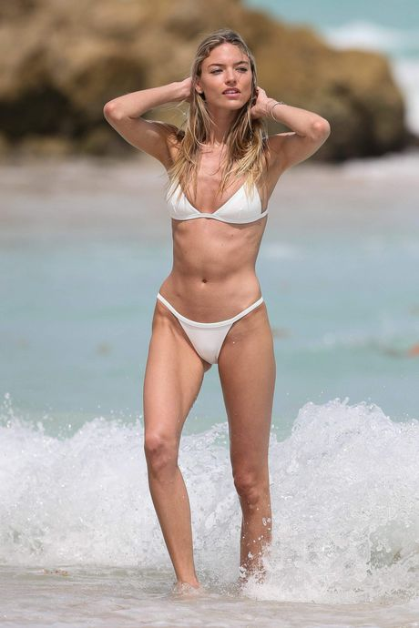 Nhung thuoc hinh bikini song dong nhat cua Martha Hunt - Anh 10