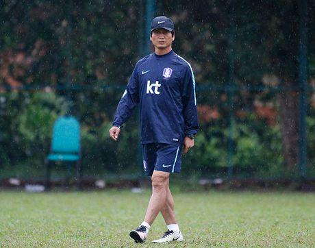 """Dau Cong Phuong, """"hotboy"""" U23 Han Quoc bi mat luyen cong - Anh 2"""