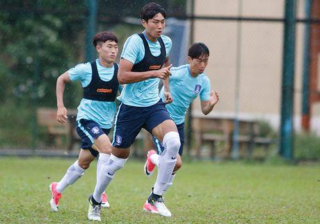 """Dau Cong Phuong, """"hotboy"""" U23 Han Quoc bi mat luyen cong - Anh 4"""