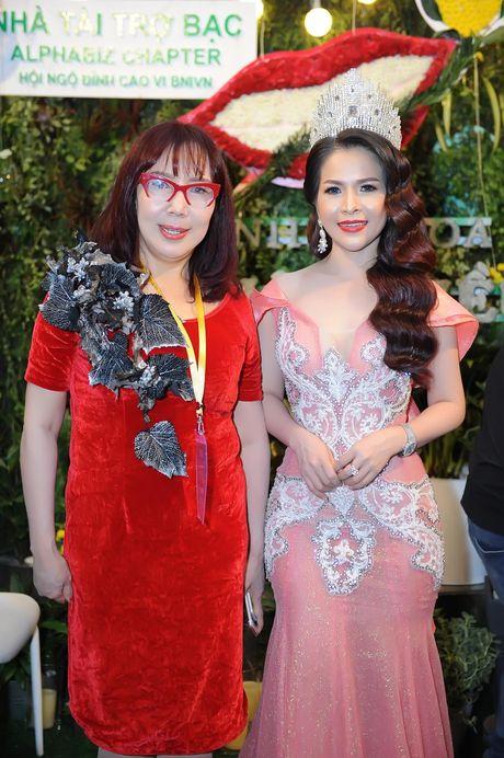 Hoa hau Le Thanh Thuy khoe nhan sac long lay va nu cuoi hut hon - Anh 4