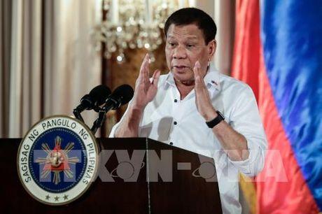 Tong thong Philippines Rodrigo Duterte duoc tin nhiem cao - Anh 1