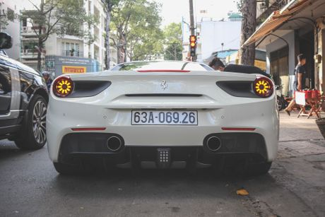 Ferrari 488 GTB cua Cuong Do La xuat hien sau khi ban ve Tien Giang - Anh 4