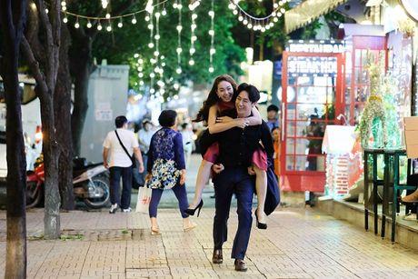 Moi ngay hoa trang day 5cm, dao dien cung phai ne Minh Hang - Anh 13
