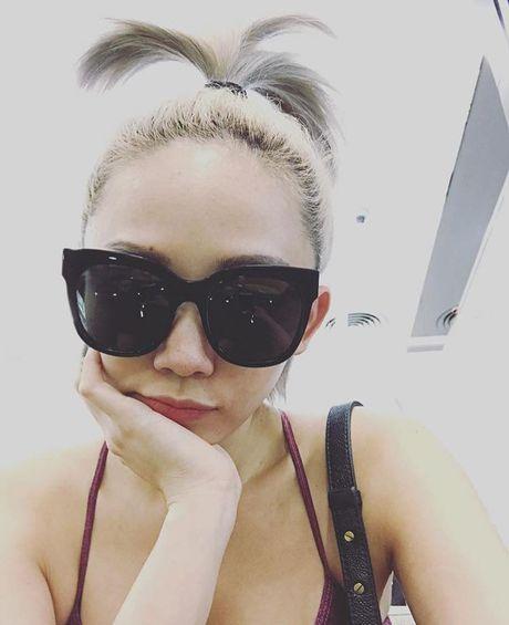 'Ban loan' vi Toc Tien chuong mac ao hai day xe sau hun hut o nha - Anh 4
