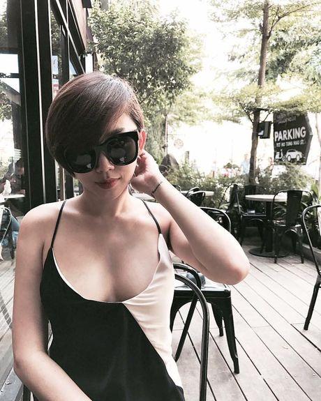 'Ban loan' vi Toc Tien chuong mac ao hai day xe sau hun hut o nha - Anh 7