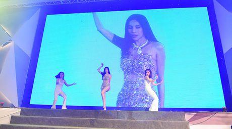 Thuy Tien khoe dang nuot na, gay hieu lam vi do qua bo - Anh 3