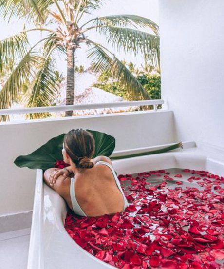 1001 kieu bikini giup ban quen noi buon 'man hinh phang' - Anh 15