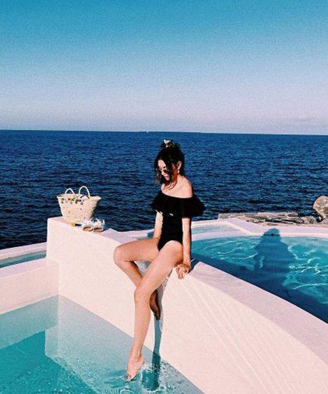 1001 kieu bikini giup ban quen noi buon 'man hinh phang' - Anh 5