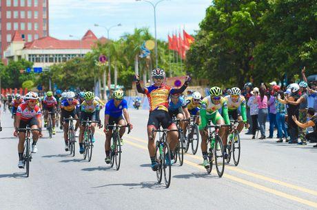 Nguyen Tan Hoai nuoi giac mo thong tri duong dua Ve Truong Son - Anh 1