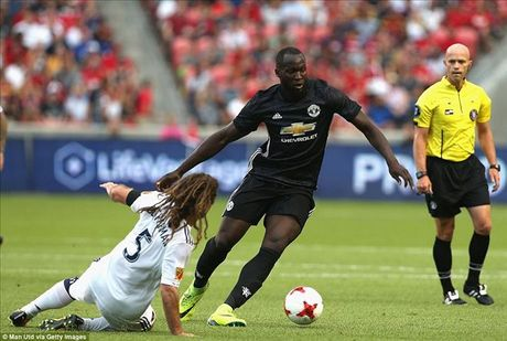 Ban thang dau tien cua Lukaku cho MU khong co y nghia voi Mourinho - Anh 2