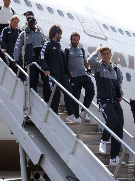 Real Salt Lake vs Man United: Doi hinh 4 hau ve - Anh 4