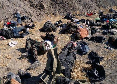 Ly do binh si Iraq quyet nem khung bo IS tu vach nui - Anh 1