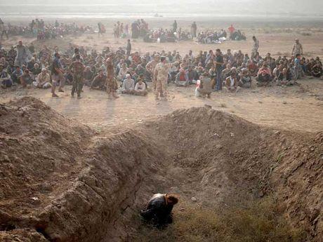 Ly do binh si Iraq quyet nem khung bo IS tu vach nui - Anh 2