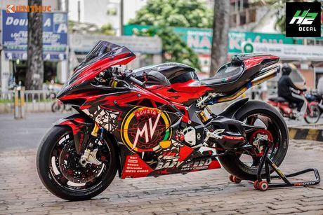 Sieu moto MV Agusta F4RR gia 1,3 ty doc nhat VN - Anh 1