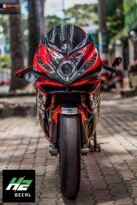 Sieu moto MV Agusta F4RR gia 1,3 ty doc nhat VN - Anh 2
