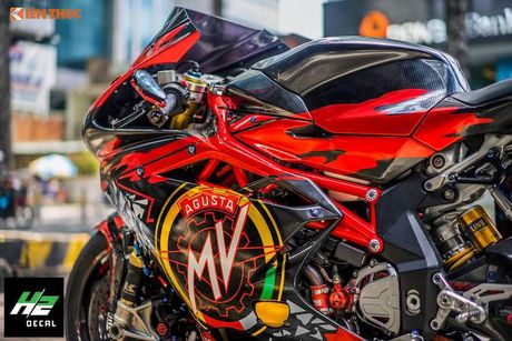 Sieu moto MV Agusta F4RR gia 1,3 ty doc nhat VN - Anh 5