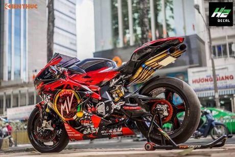 Sieu moto MV Agusta F4RR gia 1,3 ty doc nhat VN - Anh 9