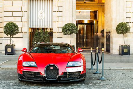 'Ong hoang toc do' Bugatti Veyron do ruc thet gia 39 ty - Anh 1
