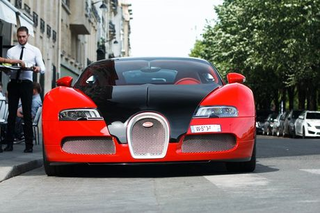 'Ong hoang toc do' Bugatti Veyron do ruc thet gia 39 ty - Anh 2