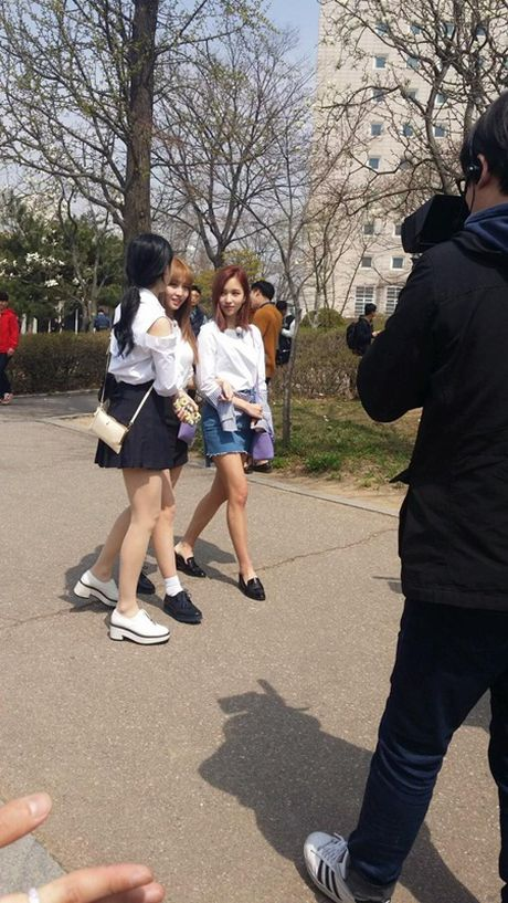 Nhung hinh anh cho thay mot 'dac quyen' ma chi fan Kpop o Han moi co - Anh 2