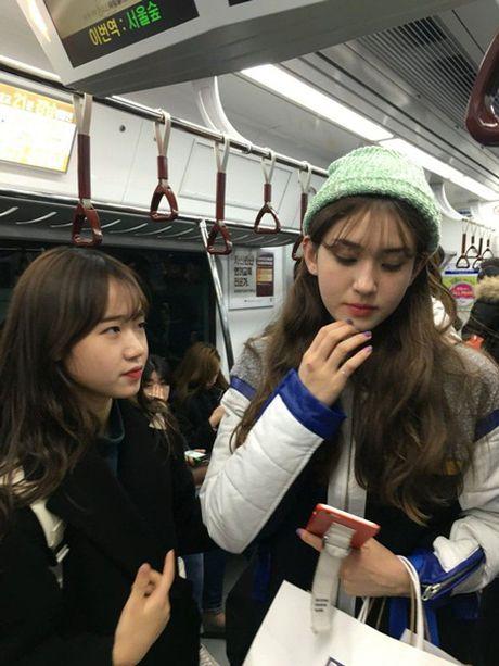 Nhung hinh anh cho thay mot 'dac quyen' ma chi fan Kpop o Han moi co - Anh 3
