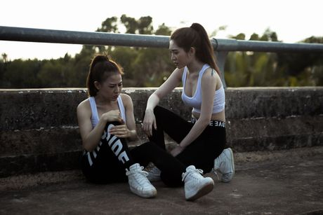 Kieu Minh Tuan va Nam Thu vao vai trum cuoi trong phim ca nhac moi cua nhom Nhat Nguyet - Anh 6