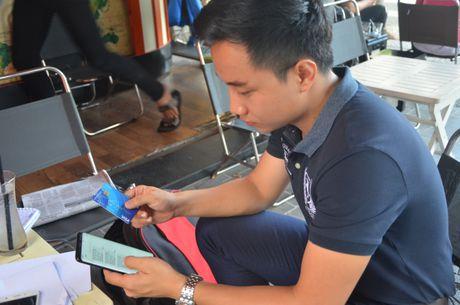 O Da Nang, chu the visa bi rut hon 40 trieu tu Indonesia - Anh 1