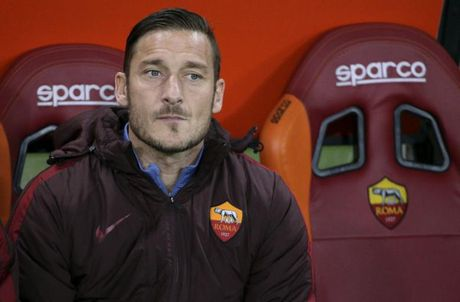 Totti chinh thuc lam Giam doc dao tao tre AS Roma - Anh 1