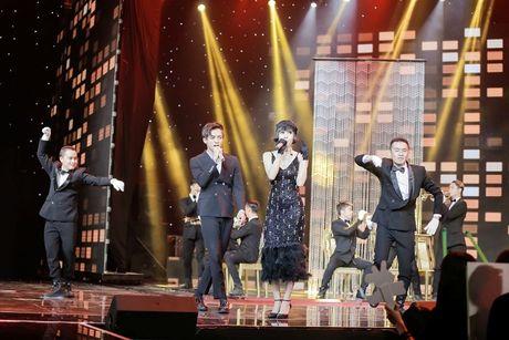 Giua scandal vua yeu da chia tay Hien Ho, Soobin Hoang Son ca tinh du hop bao The Voice Kids - Anh 1