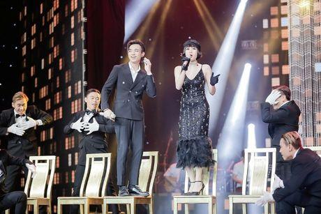 Giua scandal vua yeu da chia tay Hien Ho, Soobin Hoang Son ca tinh du hop bao The Voice Kids - Anh 2