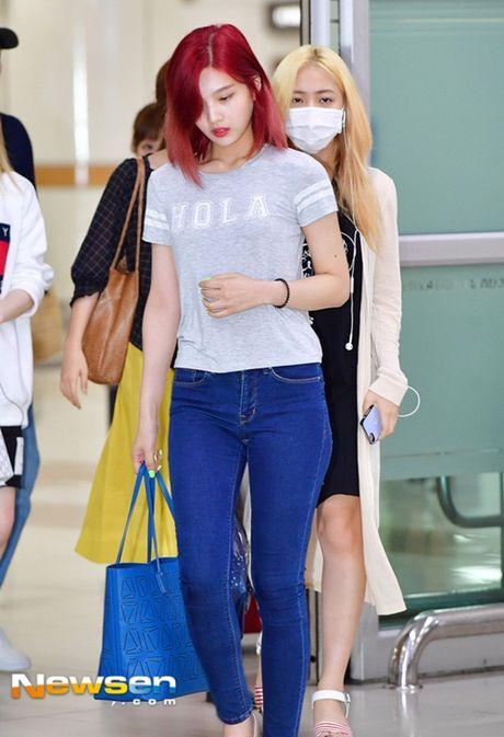 Tae Yeon khoe eo 'con kien', Red Velvet dien do binh dan - Anh 12