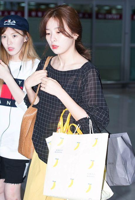 Tae Yeon khoe eo 'con kien', Red Velvet dien do binh dan - Anh 13