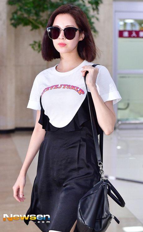 Tae Yeon khoe eo 'con kien', Red Velvet dien do binh dan - Anh 8