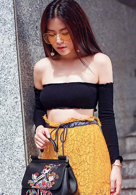 Street style 'khong co gi de che' cua sao Viet tuan thoi tiet that thuong - Anh 1